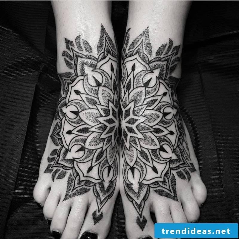 Mandala tattoos leg