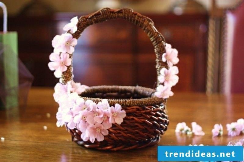 Easter decoration make basket decorate