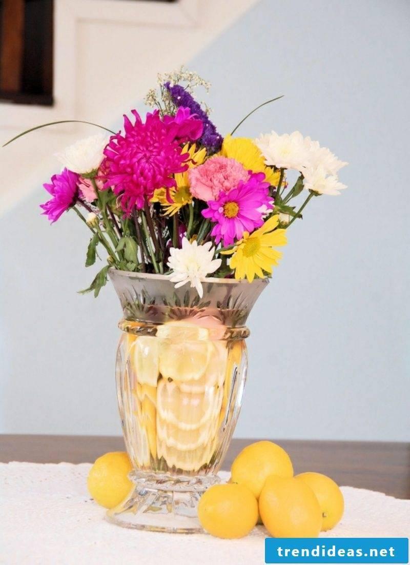 Easter decoration itself make floral arrangements