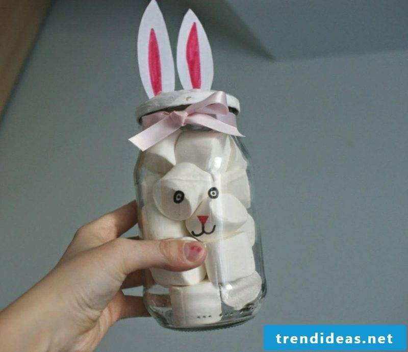 Easter presents make jam jar with marshmallows