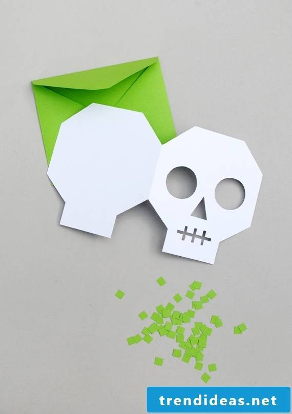 Download Halloween invitation cards for free