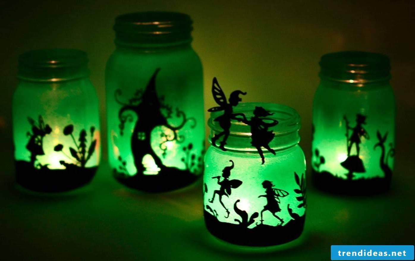 Craft elf on the glass