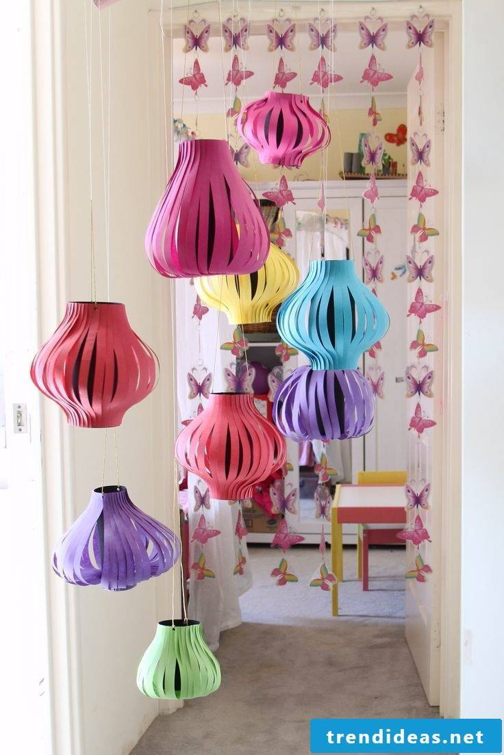 Making lanterns with children