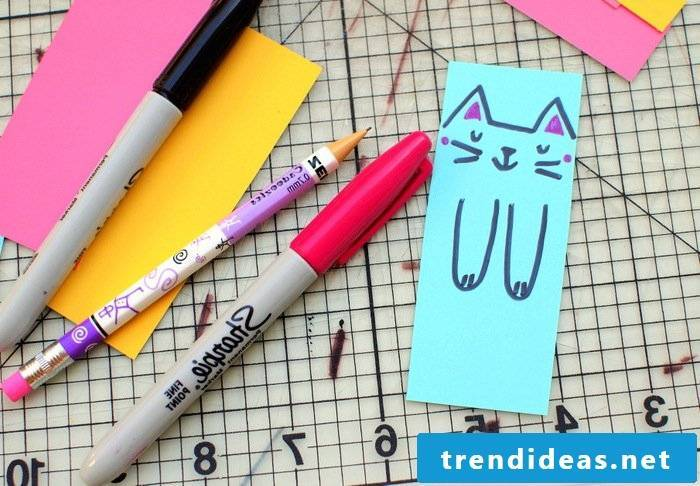Crafting ideas for children: make funny bookmarks yourself