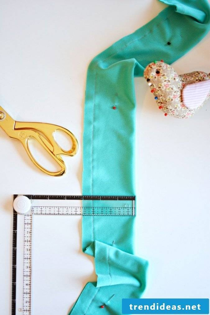 Crafting ideas: making balloons with children