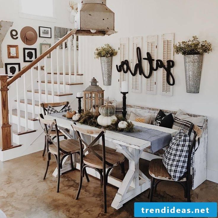 Autumn table decoration in Scandinavian style