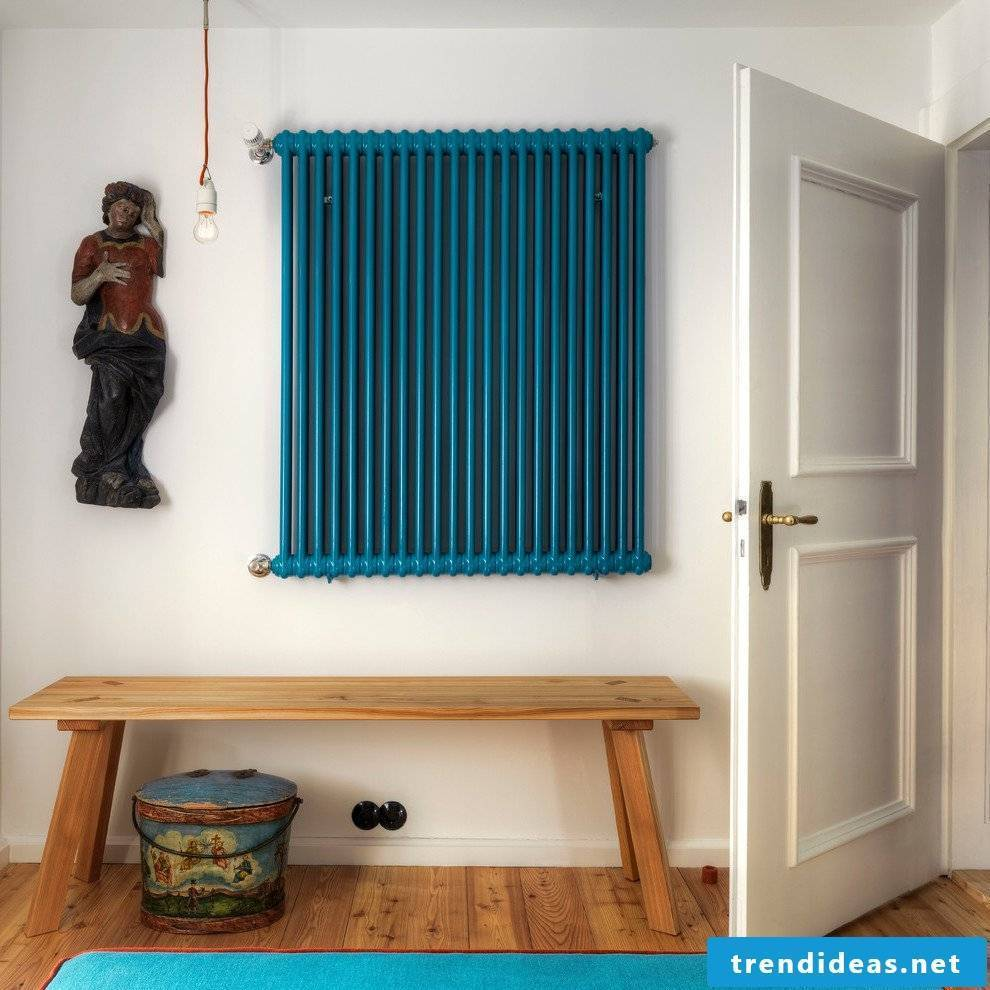 Turquoise wall paint as an accent