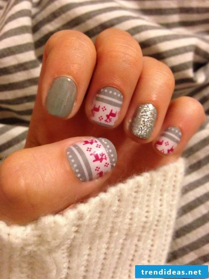 Nail art design for christmas gray red motives