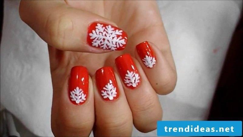 Nail art design for Christmas white red