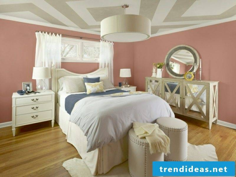 Old pink wall bedroom ceiling geometric pattern modern