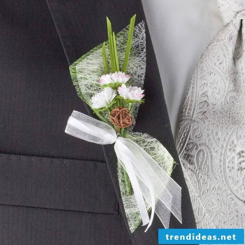 Wedding flower arrangements discreet