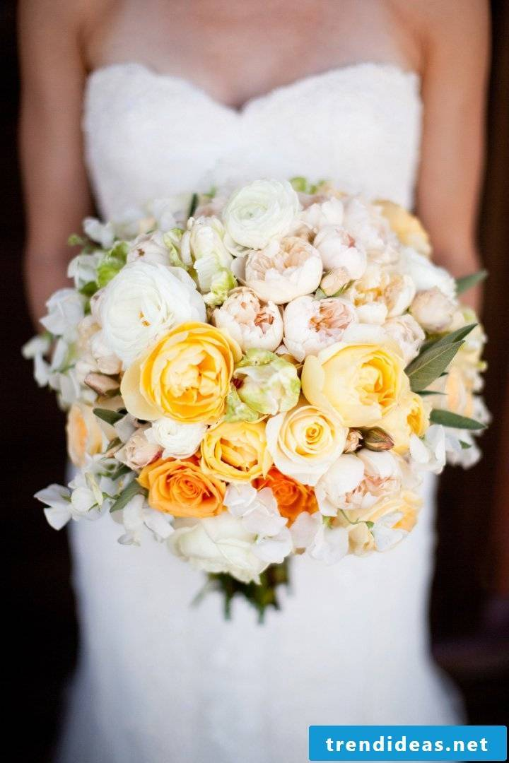 wedding flower arrangement imaginative