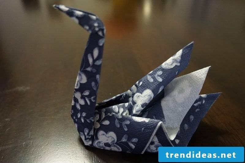 wedding napkins swan