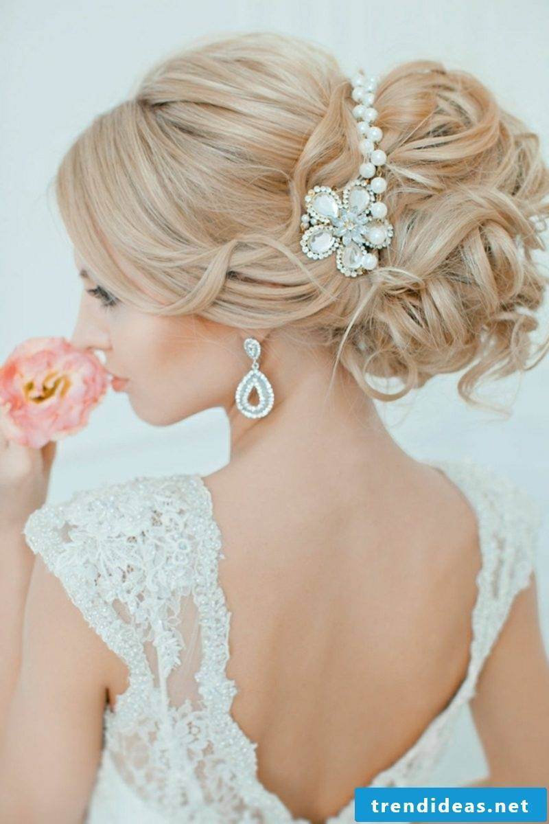 Hairstyle Trends 2016 Wedding pinned up hair