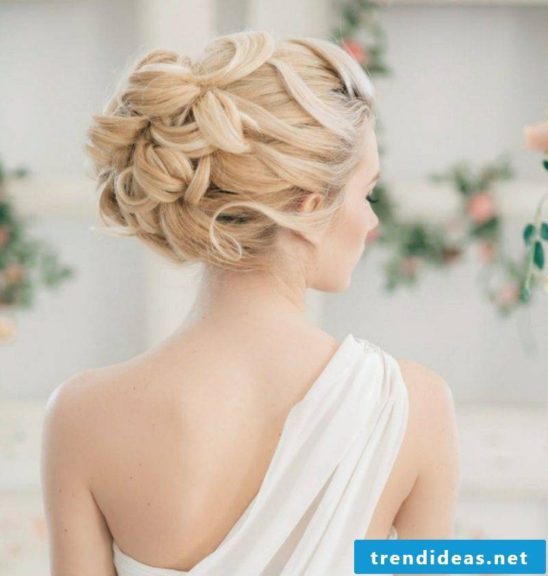 Hairstyles for shoulder-length hair wedding