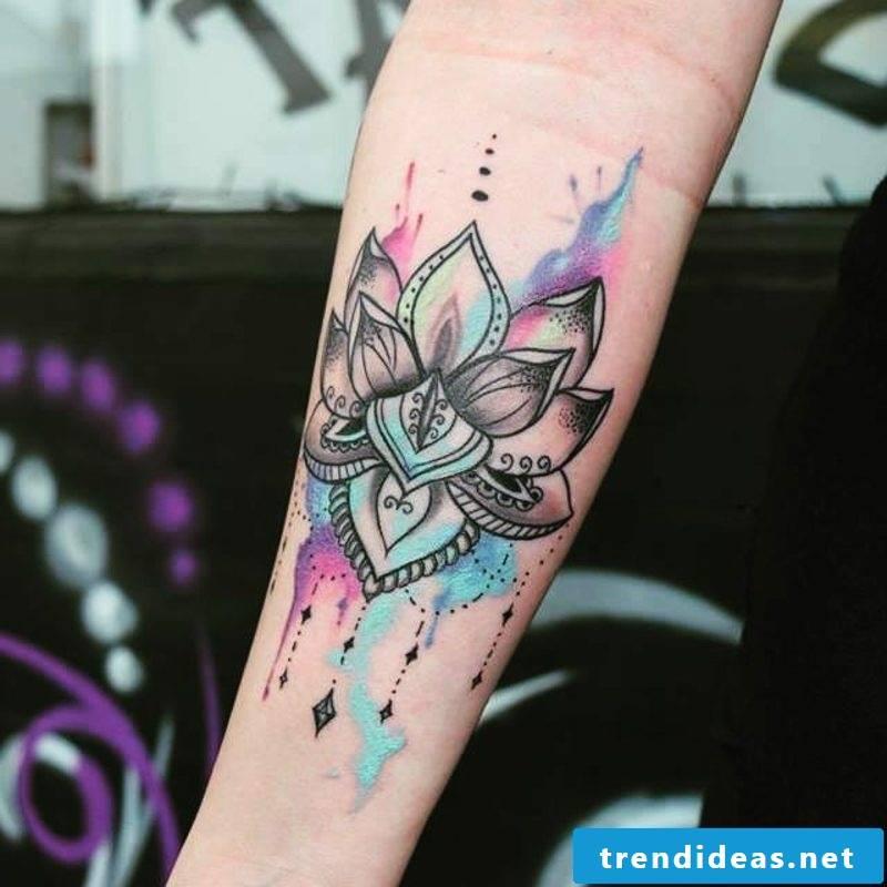 Watercolor tattoos woman flower stylized