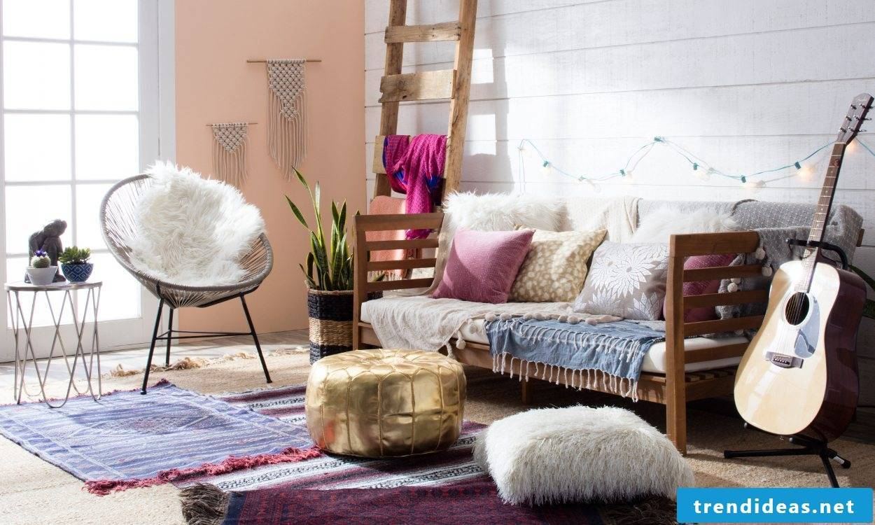 The Boho Chic interior design is characterized by the combination of hippie, ethno and gipsy.