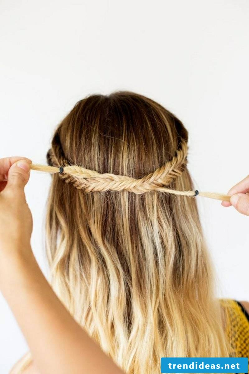 Hairband braided hairstyle wrong
