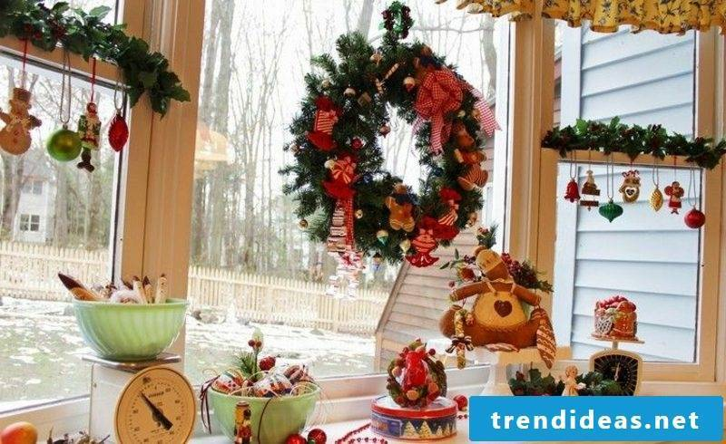 Window pictures for Christmas festive wreath and Christmas tree decorations