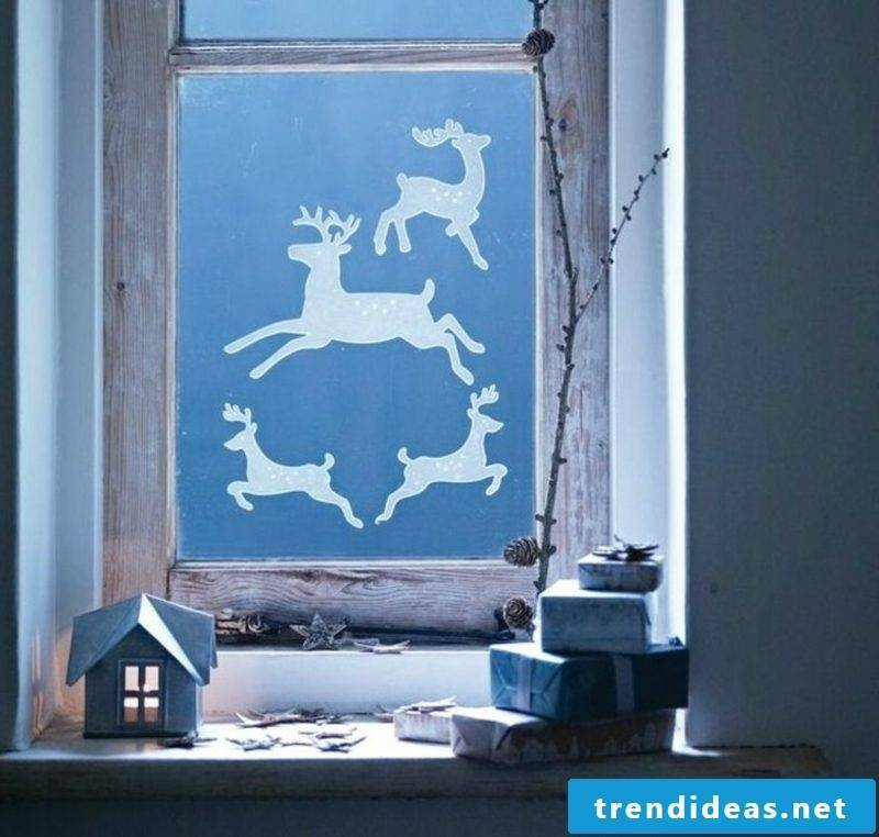Window pictures for Christmas deer paper