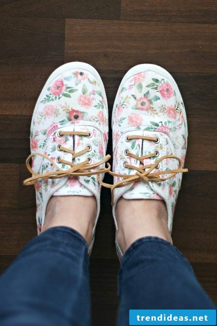 You can find some great DIY for ladies shoes here!