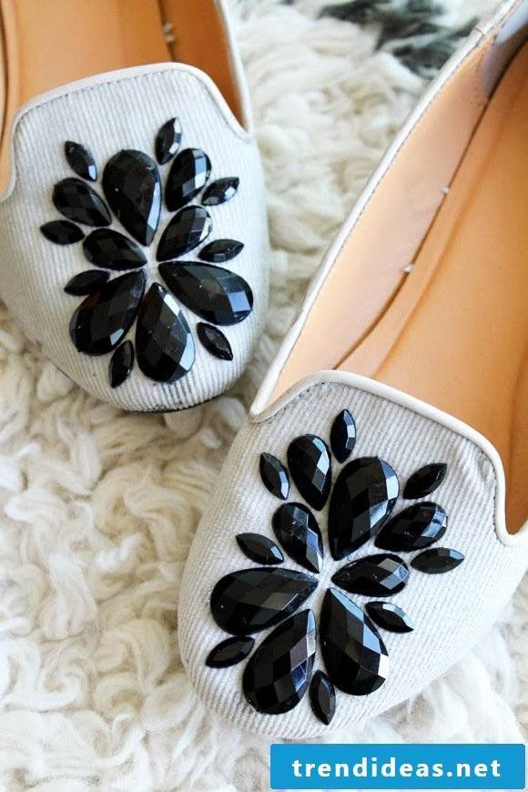 Spice up your shoes: Ballerinas shoes with black stones