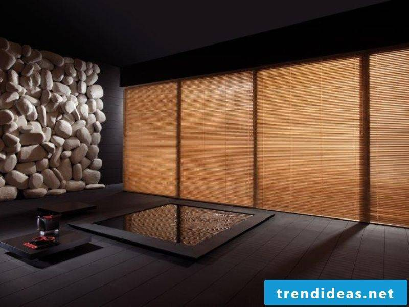 Wooden blinds and stone decoration in the living room