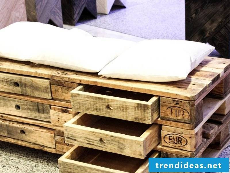 original sofa in europallets with drawers