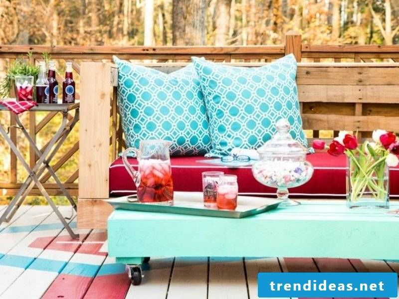 Pallet sofa in the garden soft Kiseen pink upholstery