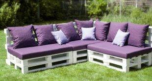 Your new weekend project: build a pallet sofa yourself!