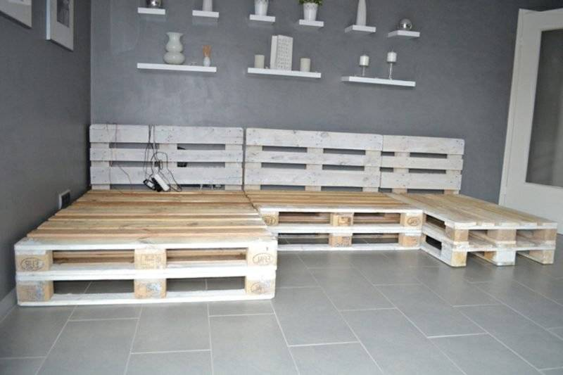 Pallet sofa to build the frame